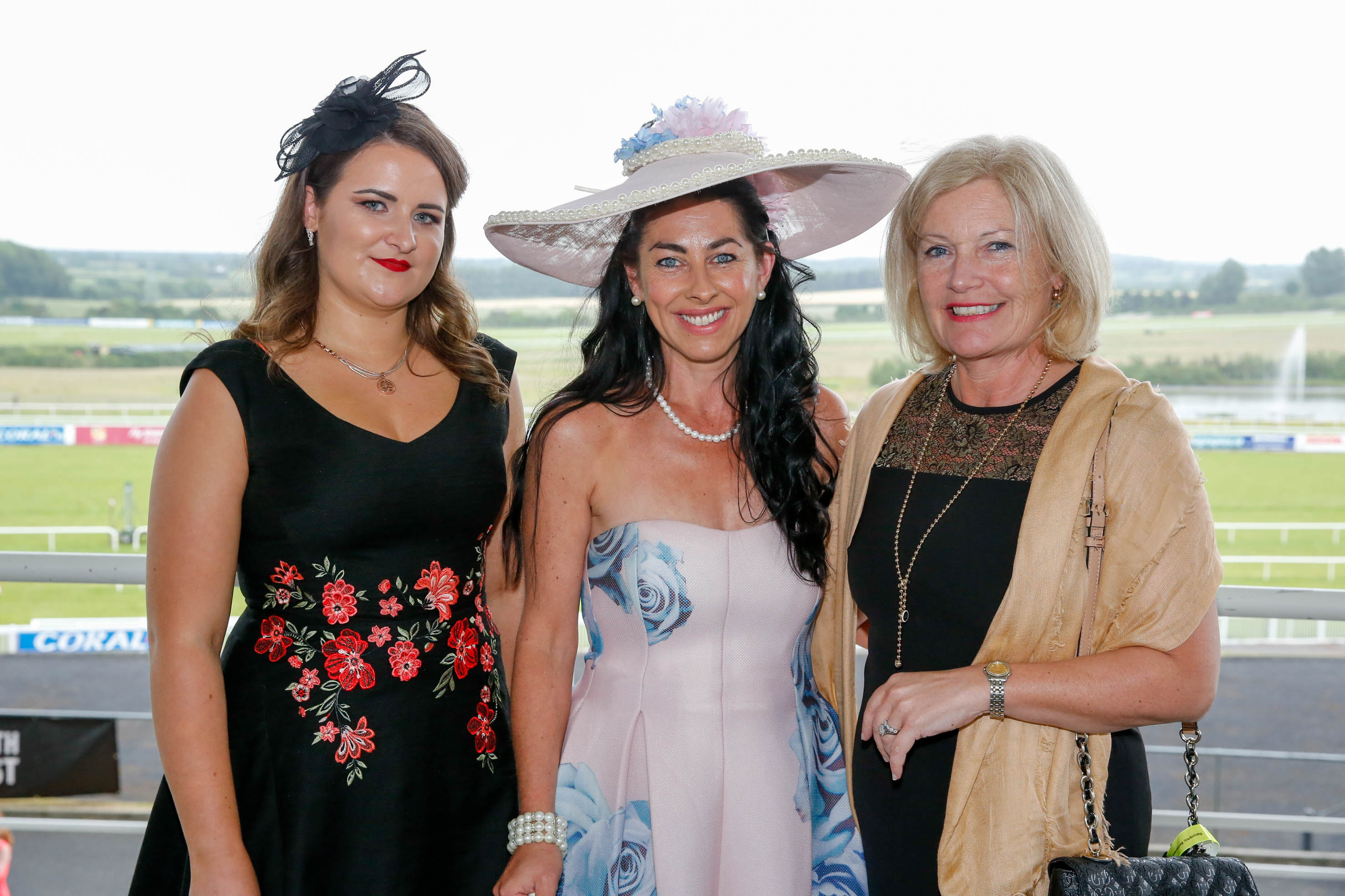 11-6-16 coral.ie Race Day at Limerick Racecourse.Most stylish competition' sponsored by Newbridge Silverware & Neville Jewellers, The Crescent Shopping Centre.Winner was Grace Flynn from Kilcornan pictured here with Roisin Madden, Newbridge Silverware and Anne Quin, Neville Jewellers.Picture: Keith Wiseman