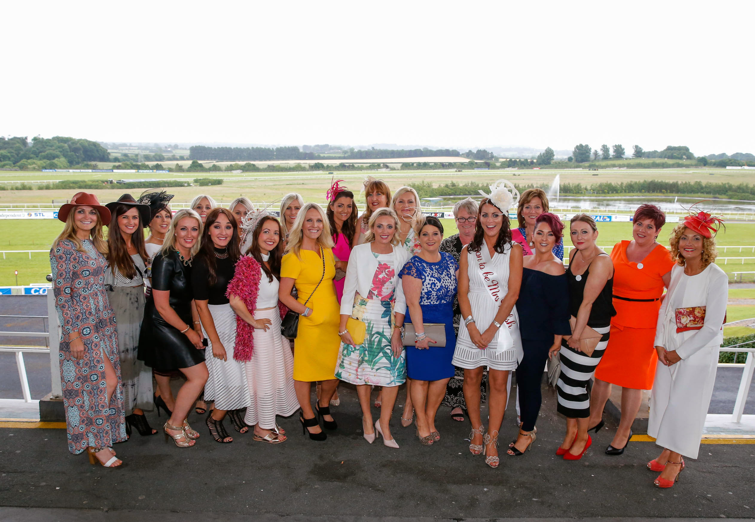11-6-16 coral.ie Race Day at Limerick Racecourse.Marie Flynn, Abbeyfeale with her Hen Party.Picture: Keith Wiseman