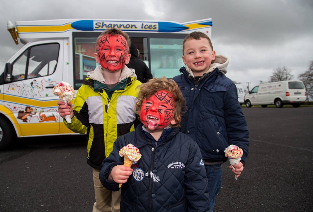 29.03.15 Attending the Limerick Racecourse family fun day were, Harry, Tony and Jack McAteer, Croom Co. Limerick. Picture: Alan Place.