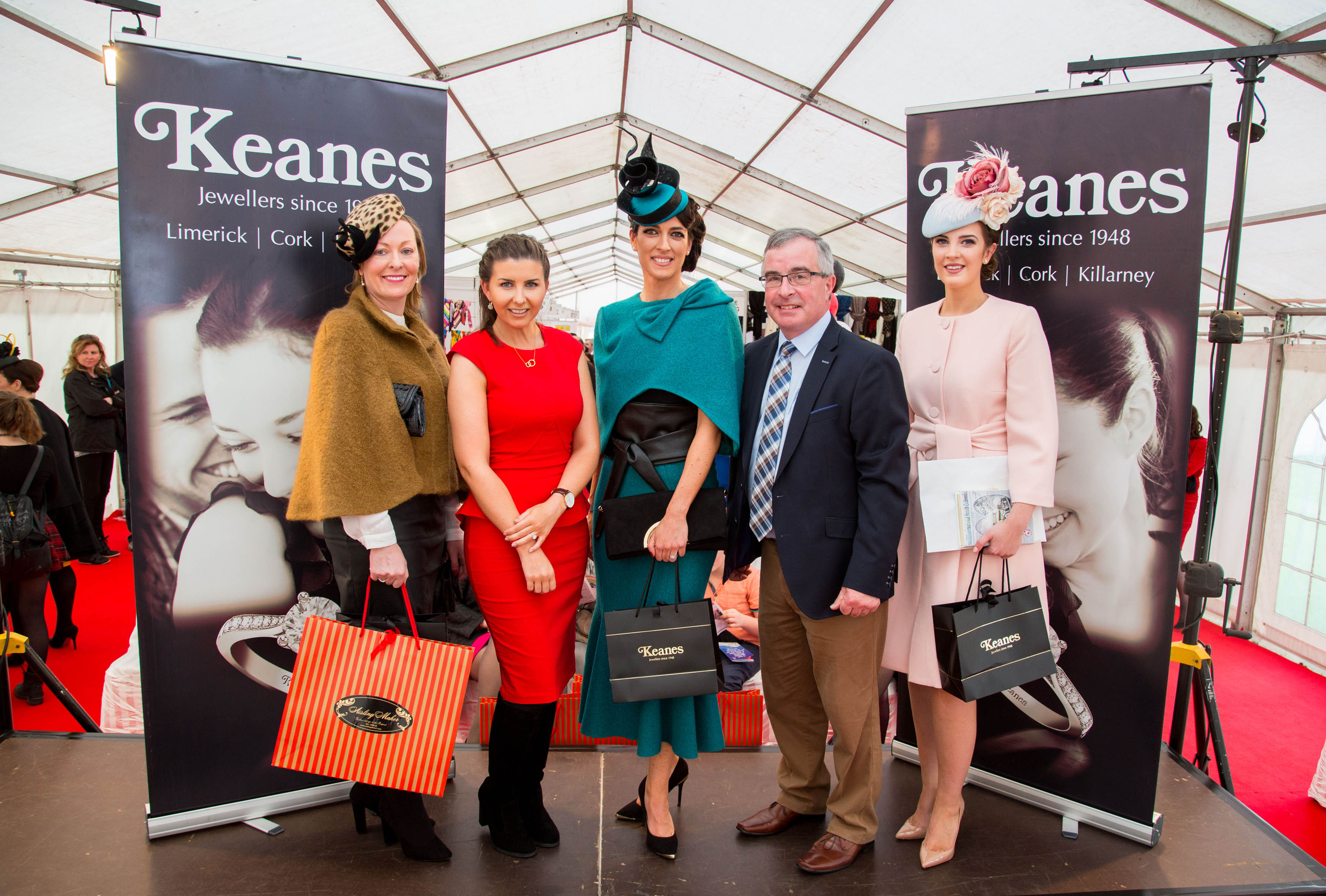 11/10/2015        Lisa McGowan from Tullamore Co Offaly was the winner of the Keanes Jewellers Ladies day at Limerick Racecourse and received a diamond ring to the value of €4,000. A crowd of 5,682 enjoyed a sunny day of national hunt racing to include the Ladbrokes Munster National which was won by  Sadlers Risk trained by Henry De Bromhead under jockey Andrew Lynch.  Pictured  are left to right, 2nd place, Angela Shire, 26 Crestwood Kilteragh, Dooradoyle, Limerick, Jessamine O'Neill, Keanes Jewellers, Lisa McGowan, Tullarmore Co. Offaly winner of Keanes Jewellers Ladies day, Aidan Lyddy, Keanes Jewellers, 3rd place Alex Butler, Middleton, Co. Cork. Picture: Alan Place/Fusionshooters.