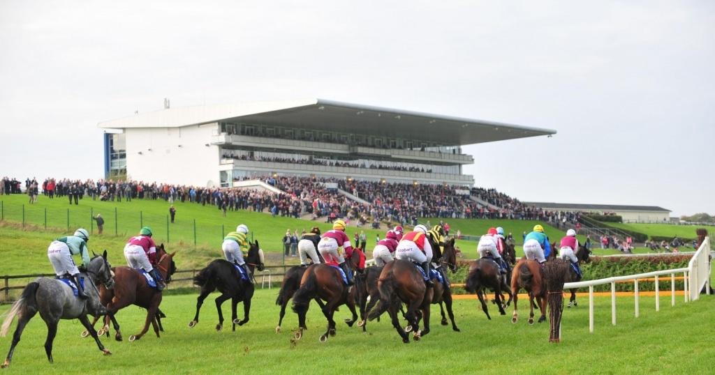 Horse racing action at Limerick November 2018